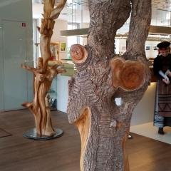 Mietkunst statt Holzkunst kaufen 17_Wassertraegerin