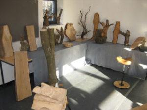 Holskunst-Seminar-im-Kloster-Hoechst Atelier-die-Auswahl-an-Holzrohlingen
